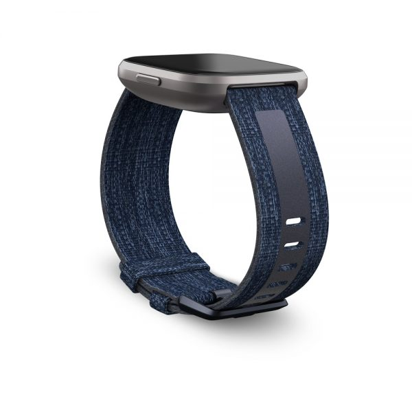 Fitbit_Versa2_Dramatic_Woven_Reflective_Navy_Mist_Grey_Band